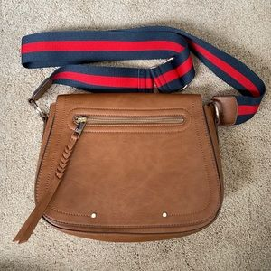 Gap Saddle Bag Like New